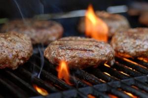 Grilling-Hamburgers